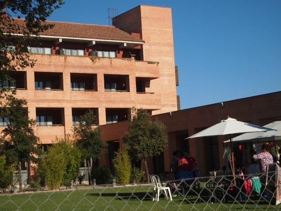 Intur Alcazar de San Juan Hotel: hotel desde piscina