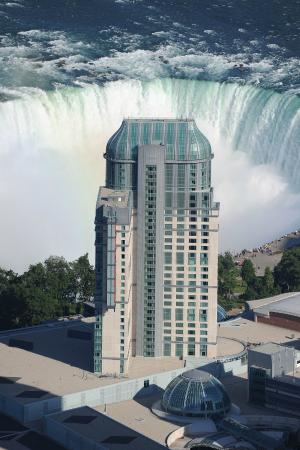 ‪‪Fallsview Casino Resort‬: Fallsview Casino Resort with Falls‬