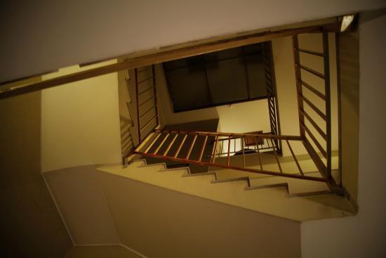 Porto Downtown Hostel: Stairs
