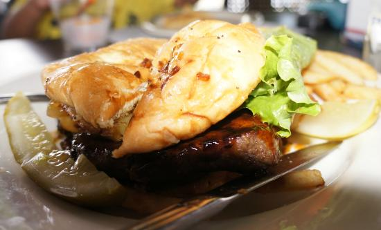 Seascape Ma'alaea Restaurant : Specialty Burger