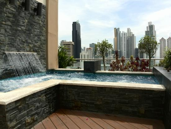 ... nuit - Picture of Hilton Garden Inn Panama, Panama City - TripAdvisor