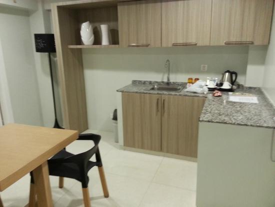 Z Pad Residences: lving room