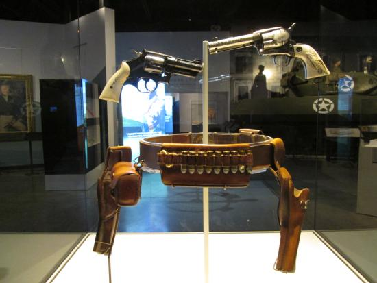 Patton Museum of Cavalry and Armor: The Pearl Handled Pistols