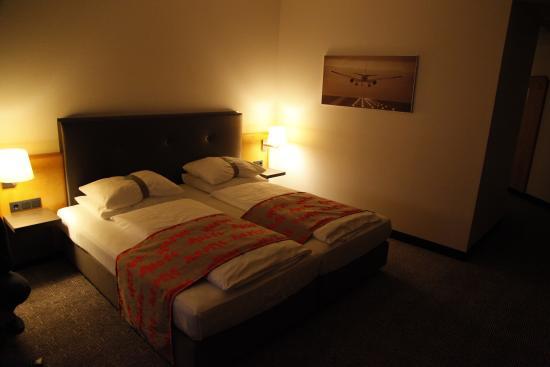 Holiday Inn Frankfurt Airport - Neu-Isenburg : the room