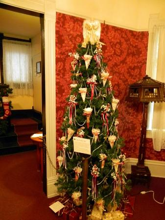 Tread of Pioneers Museum: Festival of Trees Entry