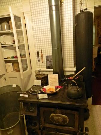 Tread of Pioneers Museum: Early Kitchen Display