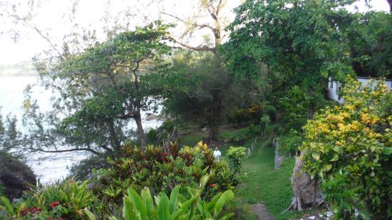 Noel Coward's Blue Harbour: gardens