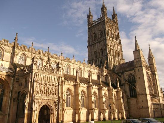Глостерский собор: Gloucester Cathedral ( outside view )