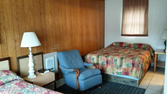 Parkside Motel : nice double room for your family.
