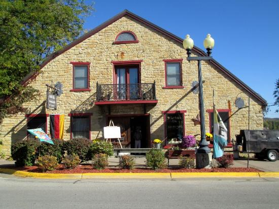 Guttenberg, IA: The Picket Fence Cafe