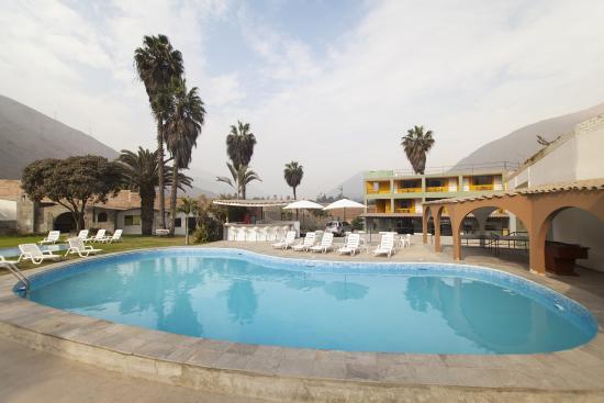 Hotel El Angolo Chosica: Panoramica de Dia