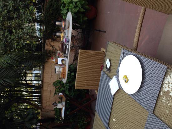 Devna: Breakfast outside terrace