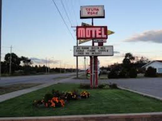 Trunk Road Motel