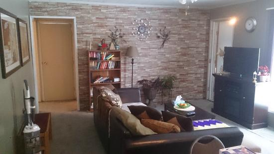Conklin, Canadá: Shared Lounge Area