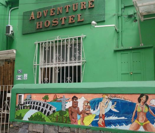 Adventure House: Fachada do hostel