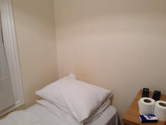 Earls Court Studios: Bed