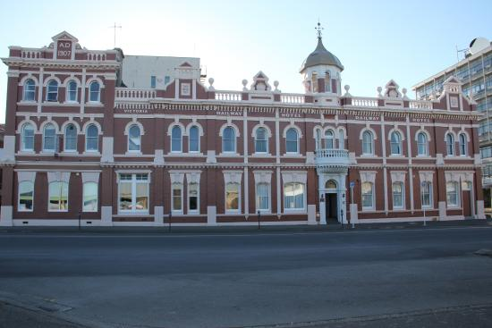 Victoria Railway Hotel : The Hotel