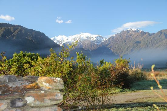 Glenfern Villas Franz Josef: View of the Mountains