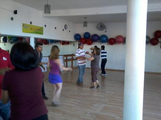 Ritmo y Sabor Salsa & Tango Lessons