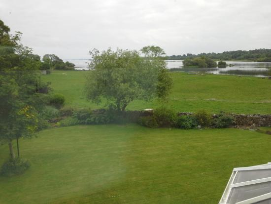 Lecarrow, Irland: view from the bedroom window