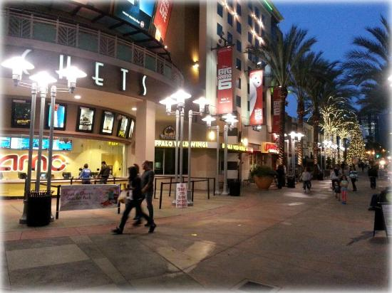 amc burbank 16 all you need to know before you go with photos tripadvisor. Black Bedroom Furniture Sets. Home Design Ideas