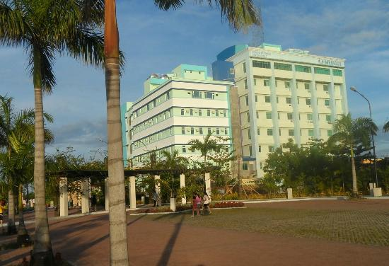 Iloilo City, Filipiny: Smallville Complex