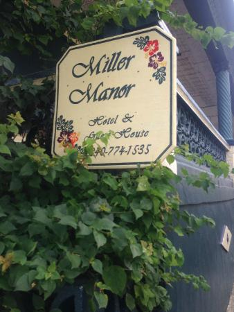 Miller Manor Guest House: out front