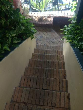 Miller Manor Guest House: lovely walkways