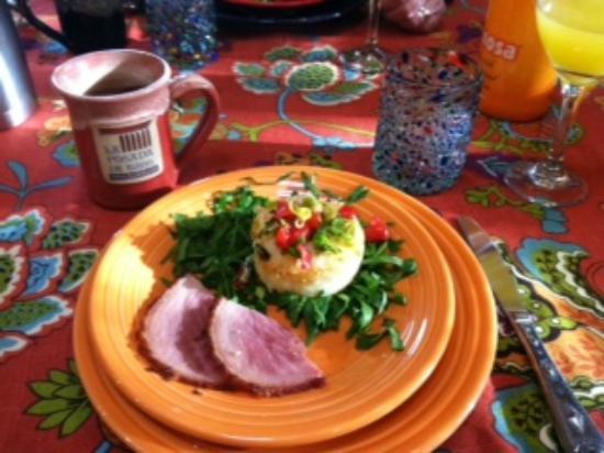 La Posada de Taos B&B: La Posada breakfast
