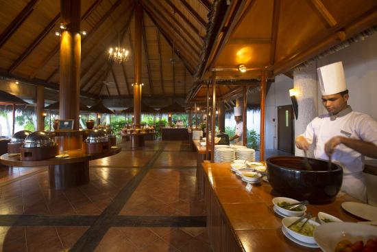 Medhufushi Island: Main Restaurant