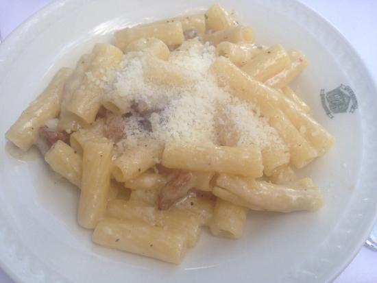 Roman-Style Rigatoni Alla Gricia Recipe — Dishmaps