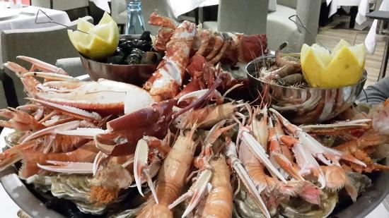 Les Embruns : Plateau de fruits de mer pour 2 personnes!