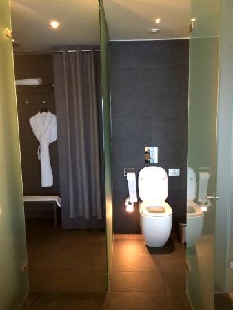 Salle de bains chambre fabulous picture of w barcelona for Chambre fabulous w barcelone