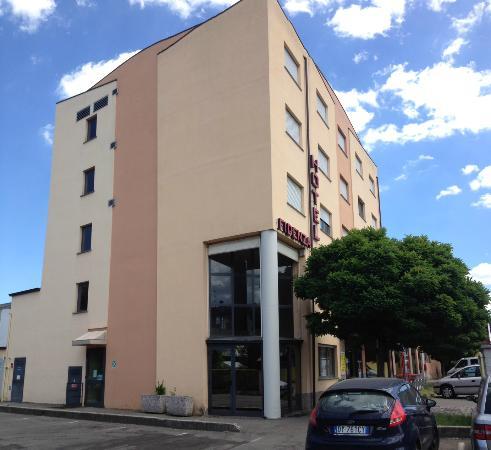 Fidenza Hotel : struttura esterno