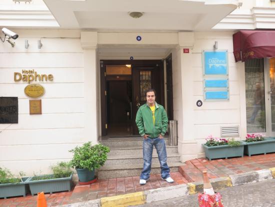 Daphne Hotel : hahs
