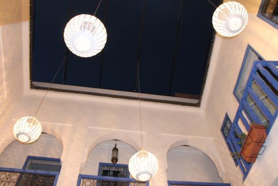 Riad L'Orange Bleue: PATIO VUE DE NUIT