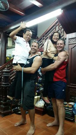 Hanh Hung Tailor : Big thank u!