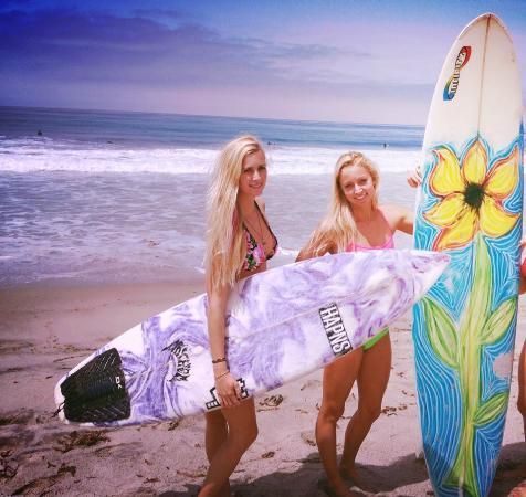 Dana Point, Kalifornia: We offer a variety of locations suitable for every level of Surfing.