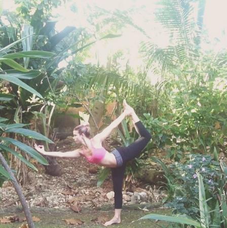 Banana's Garden Bed & Breakfast: Morning yoga in the garden