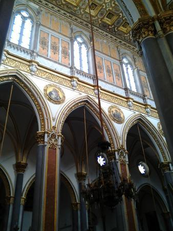 Chiesa di San Domenico Maggiore: Facciata interna laterale