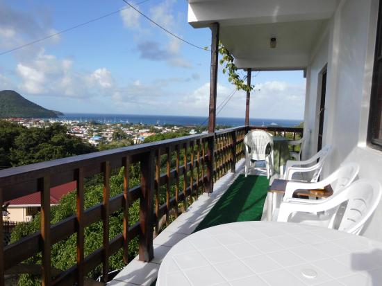 Henry's La Panache Guesthouse and Apartments : 2 bedroom apartment balcony
