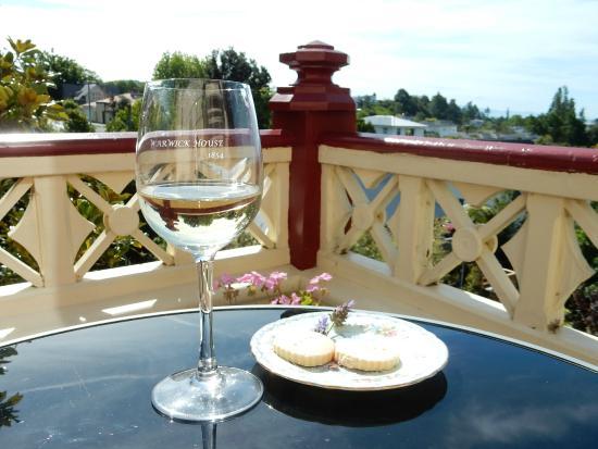 Warwick House : Relax on the verandah
