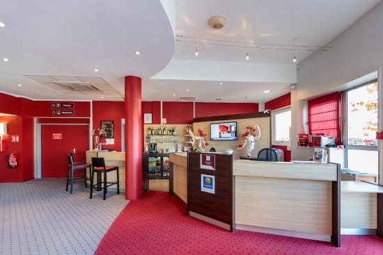 Reception Picture of Comfort Hotel Clermont Saint Jacques