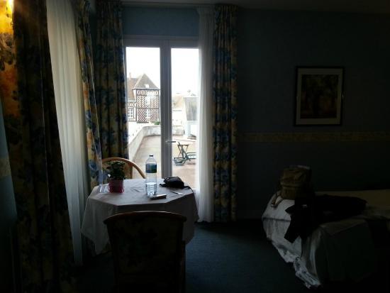 Hotel Le Plat D U0026 39 Etain  Brou    Voir Les Tarifs  35 Avis Et