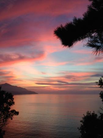 Hotel Paradiso: tramonto dal balcone della camera