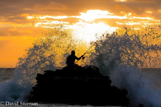 Oahu Photography Tours: First light at Sandy Beach on Oahu.
