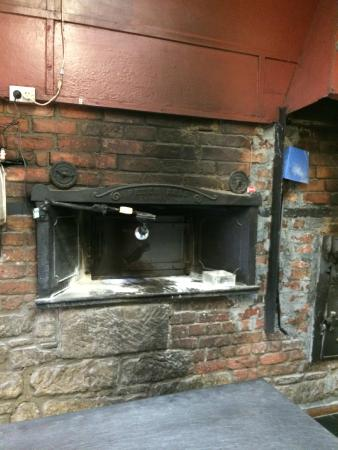 The Ross Bakery Inn: The very very old oven