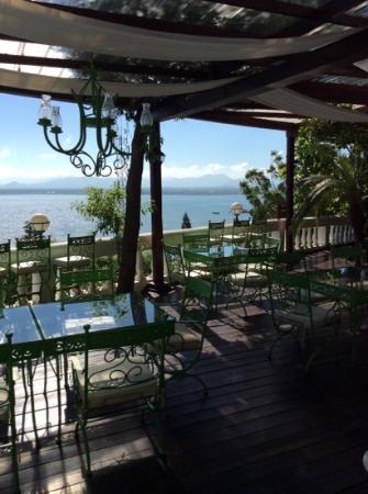Habitation Jouissant: the wonderful terrace overlooking the Caribbean