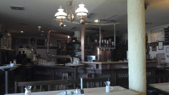 Brauhaus Freising: mesas e bar