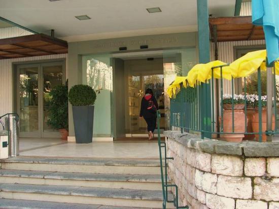 Croce Di Malta Montecatini GH: entrata Hotel